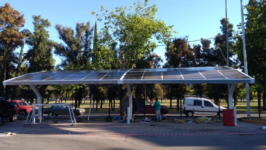 SHOPPING MENDOZA (IRSA): Parking Solar con paneles Glass Glass