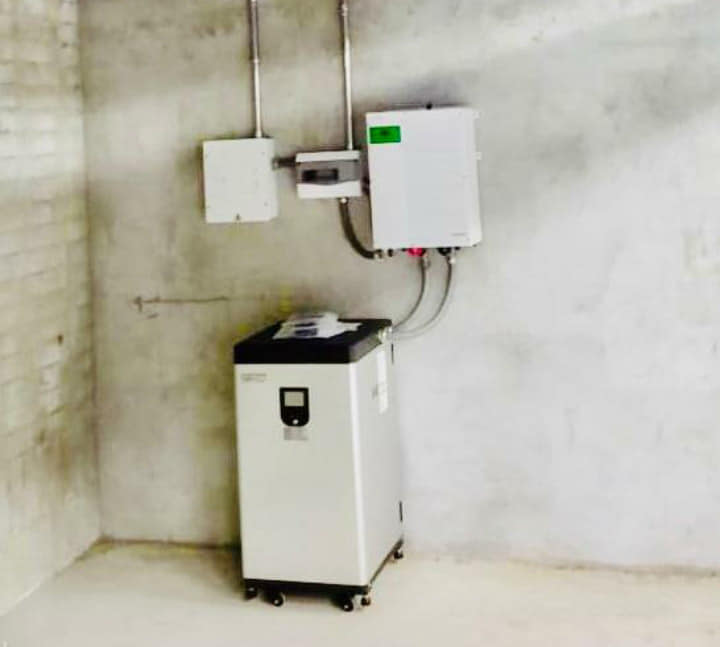 Colombia : Sistema Híbrido XW Schneider Electric + Fortress Power. Erco Colombia.